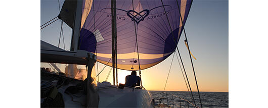 images-content/Luxury Charter Spinnaker.jpg
